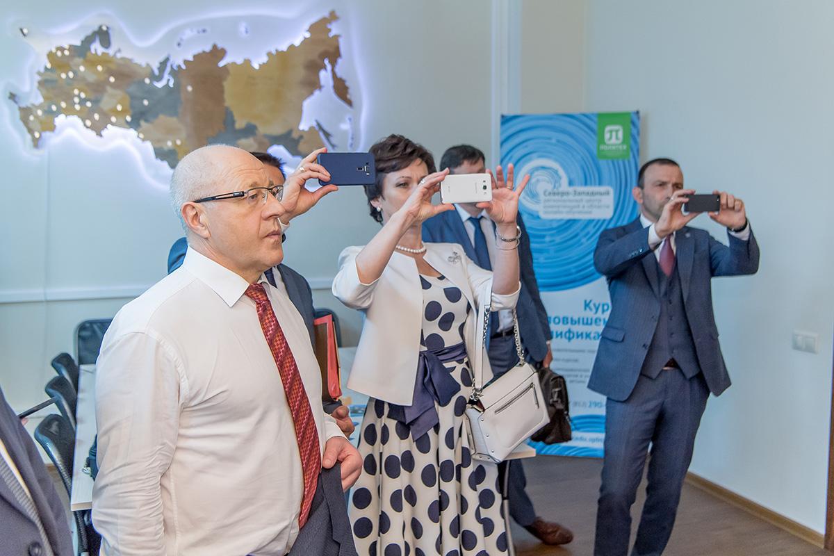 Коллеги из Беларуси заинтересованы особенностями внедрения электронных ресурсов в образовательный процесс